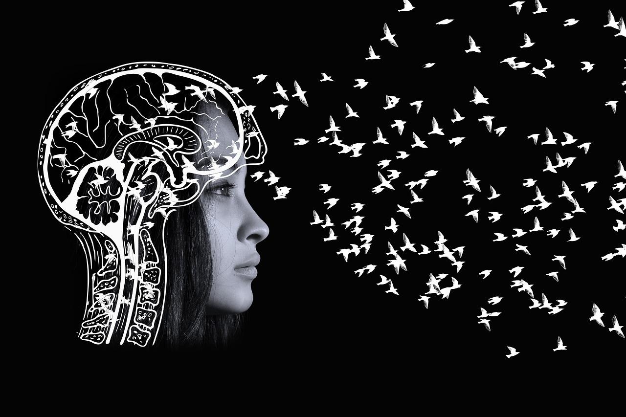 Dejar salir de tu mente pensamientos negativos para aliviar el dolor que nos provoca.